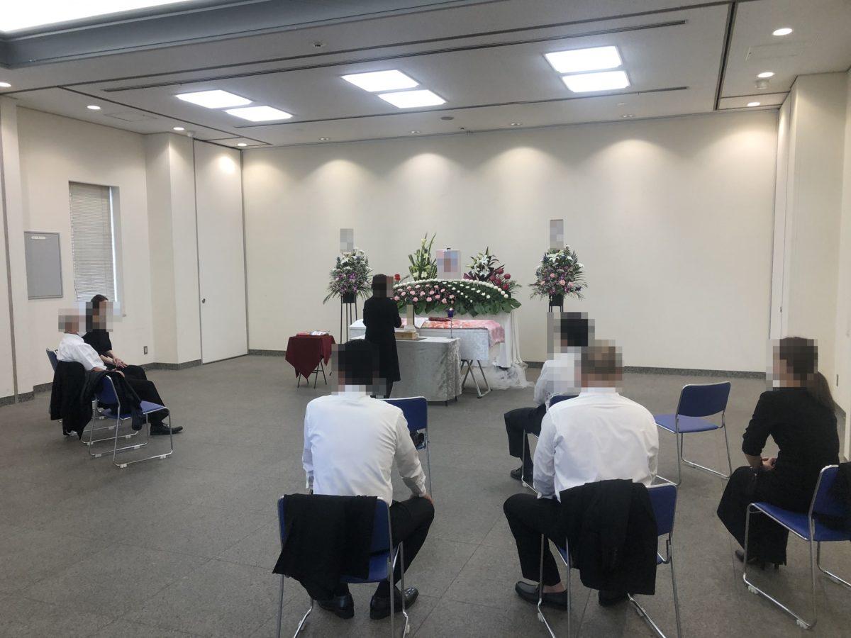 2020年7月20日 大阪市立瓜破斎場に於いて一日葬を執り行いました。 ご親族様10名でのお葬式です。 葬儀プランは下記を参考にしてください。 1日葬・ワンデーセレモニー